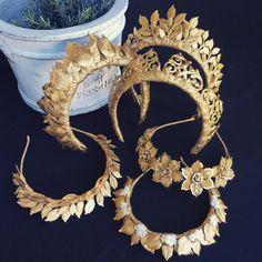 I love this tiaras! Bridal Crown, Bridal Tiara, Bridal Headbands, Fascinator, Gold Leaf Crown, Gold Wedding Crowns, Carole Middleton, Bijoux Design, Gold Tiara