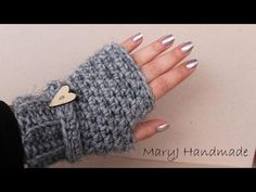 How to crochet super easy fingerless gloves Crochet Mitts, Crochet Gloves, Knit Crochet, Knitting Videos, Loom Knitting, Wrist Warmers, Hand Warmers, Fingerless Gloves Knitted, Crochet Accessories