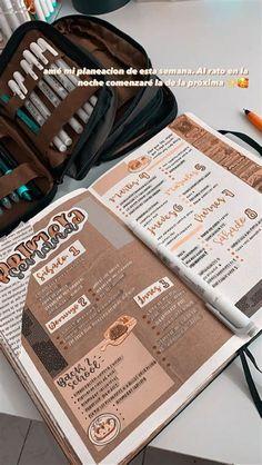 Bullet Journal Lettering Ideas, Bullet Journal Banner, Bullet Journal Notebook, Bullet Journal Themes, Bullet Journal Inspiration, Bullet Journal School, School Organization Notes, School Notes, Bullet Journal Aesthetic