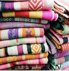 I want to take them all The prints and colors in Peru are just incredible Bali Style Home, Peruvian Textiles, Gal Meets Glam, Colorful Pillows, Simple Pleasures, Humble Abode, Colour Schemes, Color Inspiration, Sweet Home