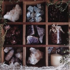 Love this idea! Crystals Minerals, Rocks And Minerals, Crystals And Gemstones, Stones And Crystals, Crystal Magic, Crystal Healing, Wiccan, Witchcraft, Tarot