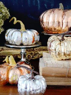 kürbisse bemalen halloween deko haus silber gold kupfer