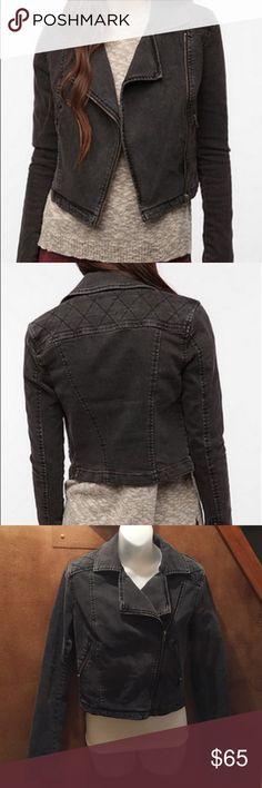 Silence & Noise Cropped Denim Moto Jacket Silence & Noise Cropped Denim Moto Jacket. Dark Stretch Denim Moto Jacket, zipper pockets and sleeves. Size Large silence + noise Jackets & Coats Jean Jackets