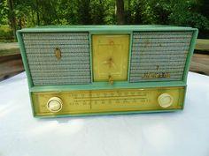 VTG 1950s Retro Plastic Bakelite Aqua Blue ZENITH TELECHRON AM/FM RADIO CLOCK