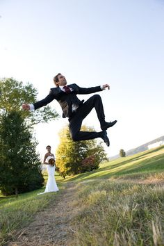 That's one high-steppin' groom! Photography by jenfariello.com