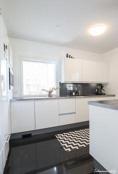 Kitchen Island, Kitchen Cabinets, Helsinki, Home Decor, Island Kitchen, Decoration Home, Room Decor, Cabinets, Home Interior Design