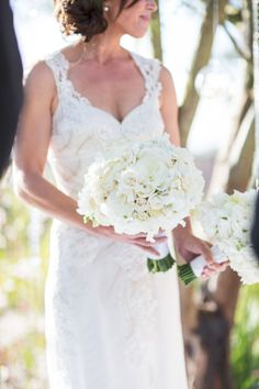 Classic All White Bridal Bouquet | photography by http://www.samuellippke.com/