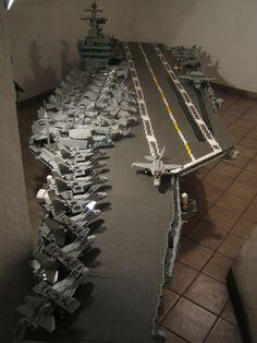 Photos of a LEGO aircraft carriers : theBRIGADE