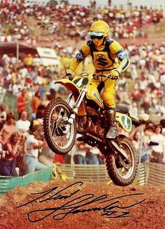 Kent howerton Suzuki Motocross, Motocross Racer, Suzuki Bikes, Motocross Bikes, Vintage Motocross, Mx Bikes, Mx Racing, Dirt Bike Racing, European Motorcycles