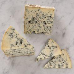 Bayley Hazen Blue - Cellar at Jasper Hill (Vermont), cow, buttered toast, licorice, chocolate, hazelnut.