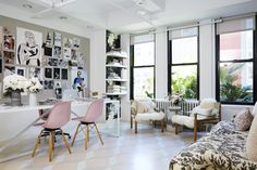 Rebecca Taylor's #office in the Garment district in NYC. Designed by Homepolish's Tali Roth. #Den #Home
