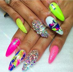 If You Want to Stand out From the Crowd, Then this Bright Manicure Idea For You! Sexy Nails, Dope Nails, Bling Nails, Gorgeous Nails, Pretty Nails, Super Cute Nails, Nails Inspiration, Hair And Nails, Nail Art Designs