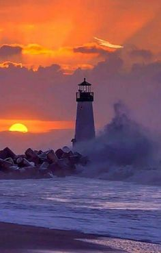 Discover amazing things and connect with passionate people. Lighthouse Painting, Lighthouse Pictures, Beautiful Sunset, Beautiful Places, Beautiful Pictures, Beautiful Landscapes, Light In The Dark, Scenery, Ocean