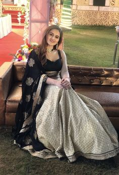 Gown Dress Party Wear, Party Wear Indian Dresses, Indian Wedding Wear, Lehnga Dress, Indian Fashion Dresses, Indian Designer Outfits, Girls Fashion Clothes, Fashion Outfits, Indian Wear