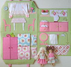 Portable Fabric Dollhouse two textile dolls Role Playing