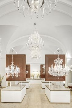 Discover historic and contemporary crystal and glass chandeliers at our Prague showroom. Glass Chandelier, Chandeliers, Prague Things To Do, Showroom Design, Crystal Decor, Lighting Store, Czech Glass, Ceiling Lights, Traditional