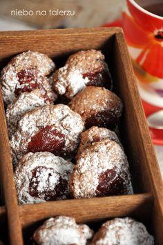 niebo na talerzu: Ciastka czekoladowe z dżemem lub marmoladą