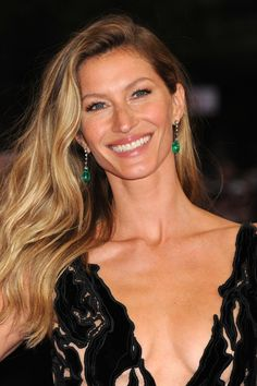 These makeup-free pics of Gisele Bundchen will blow your mind