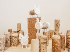 Cork Pals are toys that utilize printing and recycling. Use a wine cork to connect two printed pieces and there you have it: Frankly my Deer is Homemade Christmas, Christmas Crafts, Christmas Decorations, Christmas Ornaments, Cork, Sculpture Projects, Christmas Crackers, Impression 3d, 3d Prints