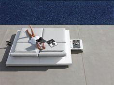 Manutti's luxurious and modern outdoor Belgian furniture. #furniture #outdoor #design #sunbed