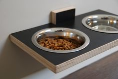 Chow Meow food and water station in laminated birch (black)