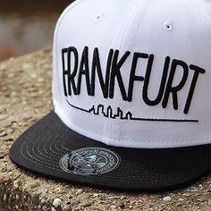 FRANKFURT BLACK & WHITE SNAPBACK