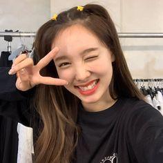Kpop Girl Groups, Korean Girl Groups, Kpop Girls, I Love Girls, Cool Girl, Ulzzang, I Fancy You, Chaeyoung Twice, Nayeon Twice