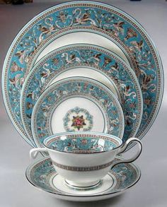 Antique Wedgwood Florentine Service for 12. Turquoise Blue. Bone China. 63 piece