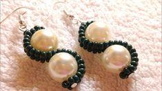 How To Make Earrings, Bead Earrings, Triangle Earrings, Silver Earrings, Handmade Jewelry Designs, Earrings Handmade, Beaded Earrings Patterns, Beaded Bracelets, Seed Bead Crafts