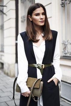 WWW.FASHIIONCARPET.COM  fashiioncarpet-nina-schwichtenberg-fashionblogger-germanfashionblogger-chloé-faye-small-khaki-green-overknees-long-vest-streetstyle-layering