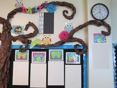 Love the Owls: First Grade Glitter and Giggles: Classroom Makeover. Owl Theme Classroom, First Grade Classroom, Classroom Setup, Classroom Design, Classroom Displays, Future Classroom, School Classroom, Classroom Organization, Classroom Management