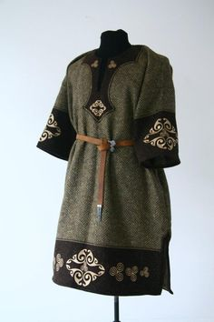 Sca Garb | tunic embroidery | Male SCA Garb
