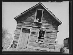 old vermont farm building, 1936 (library of congress)