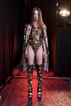 See the complete Fausto Puglisi Resort 2017 collection.