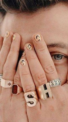 Harry Styles Eyes, Harry Styles Hands, Harry Styles Baby, Harry Styles Pictures, Harry Edward Styles, Harry Styles Lockscreen, Harry Styles Wallpaper, Photo Wall Collage, Picture Wall