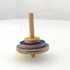 Peonza de madera, ecologica, juguete artesanal