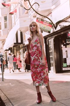 Bohemian fashion brand Spell & The Gypsy Collective's collection features romantic pieces full of whimsy, with a twist of edge, & dash of boho style. Hippie Style, Bohemian Style, Boho Chic, Hippie Bohemian, Bohemian Photography, Travel Photography, Boho Fashion, Womens Fashion, Fashion Group