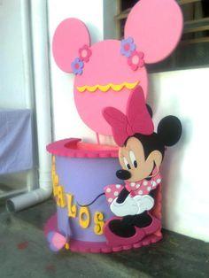 Minnie Mouse Más