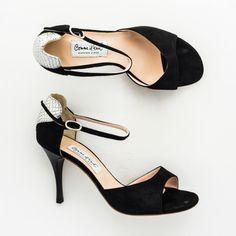 Exclusive Comme il Faut Tango Shoes - Negro Plata con Corazon