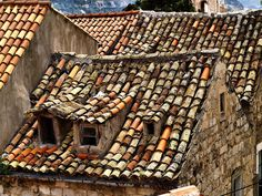 'An Old Roof In Dubrovnik' by saxonfenken ~ Croatia House Front Porch, Porch Roof, Shed Roof, Front Porches, Roof Architecture, Architecture Details, Roof Decoration, Casa Top, Fibreglass Roof