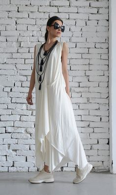 White Long Dress/Asymmetric Maxi Dress/Sleeveless Loose Kaftan/Casual White Dress/Summer Oversize Tunic/Plus Size Dress by METAMORPHOZA Oversize maxi white dress - Such a gentle creation, this white dress… White Dress Summer, Casual Summer Dresses, Dress Casual, Summer Maxi, Uk Summer, Formal Outfits, Plus Size Maxi Dresses, White Maxi Dresses, Dress Red