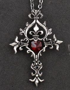 Collier pendentif motif croix gothique avec pierre blanche style vampire.
