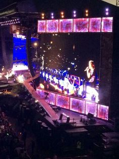 One Direction on stage in Madrid, Spain (11/07/2014) #WWAT