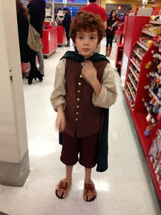 Nephew before The Hobbit showing. He's never been so awkwardly popular, thousands of girl nerdgasms. - Imgur