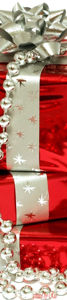 CHRISTMAS WRAPPING l Ria