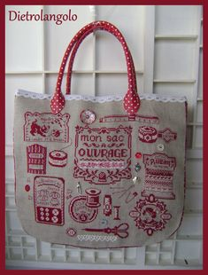 Le sac rouge toujours – Dietro l'angolo – - Modern Quilt Stitching, Cross Stitching, Cross Stitch Embroidery, Cross Stitch Patterns, Cross Stitch Needles, Cross Stitch Samplers, Everything Cross Stitch, Coin Couture, Cross Stitch Finishing