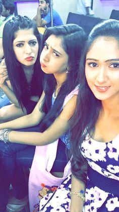 Teen Actresses, Indian Actresses, Amy Actress, Girl Pictures, Girl Photos, Beautiful Girl Facebook, Charlie Chauhan, Niti Taylor, Stylish Girls Photos