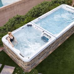 An exercise pool and a spa in one!! Family Fitness, Tub, Fitness Motivation, Swimming, Backyard, Exercise, Outdoor Decor, Ideas, Home Decor