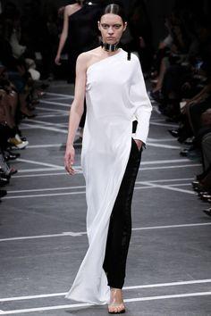 Semanas de Moda - Verão 2013 - Paris - Givenchy