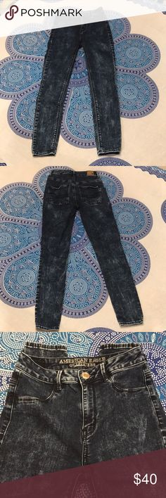 AEO high waisted jeggings Condition: Excellent Pre-owned  Color: Dark acid wash Fit: High waisted, stretch Defects: None  💖Let me know if you have any questions! Thank you so much! Happy Poshing!💖 American Eagle Outfitters Jeans Skinny